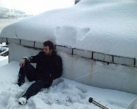 çatıda kar kürerken bi dinlenek dedim :D