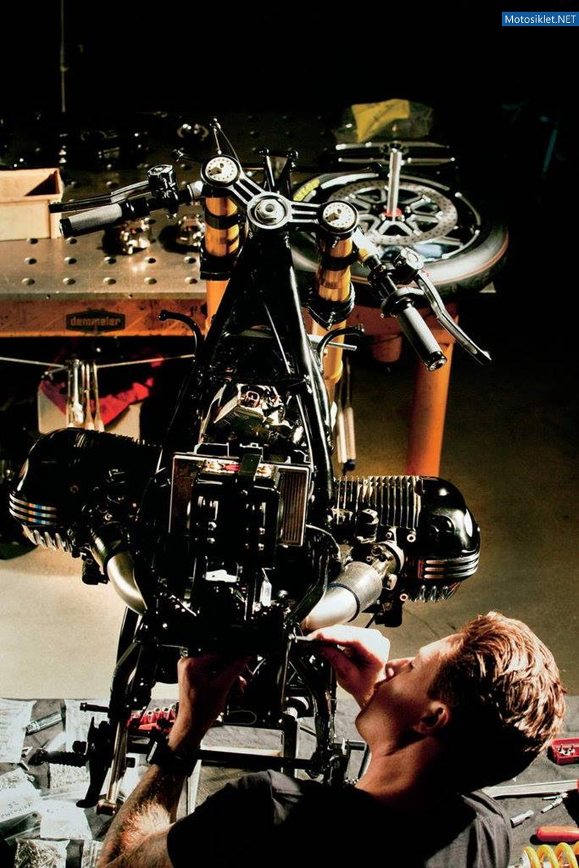 BMW90-Motosiklet-konsepti-018