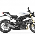 TriumphStreetTriple-R-2013Model-021