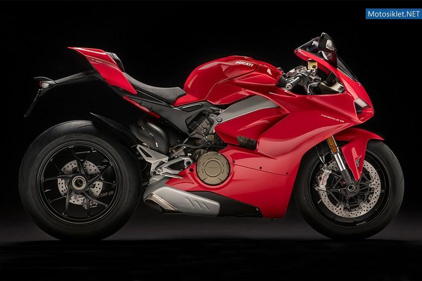 2018-Ducati-Panigale-V4-01