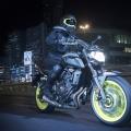 2018-Yamaha-MT-07-EU-Night-Fluo-Action-005