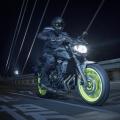 2018-Yamaha-MT-07-EU-Night-Fluo-Action-006