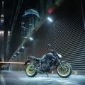 2018-Yamaha-MT-07-EU-Night-Fluo-Static-001-1