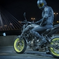 2018-Yamaha-MT-07-EU-Night-Fluo-Static-004