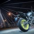 2018-Yamaha-MT-07-EU-Night-Fluo-Static-005