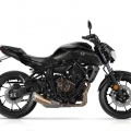 2018-Yamaha-MT-07-EU-Tech-Black-Studio-002