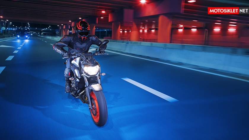 2019-Yamaha-MT07.Colors-01