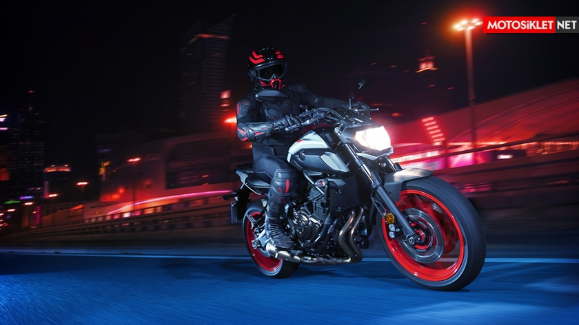 2019-Yamaha-MT07.Colors-06