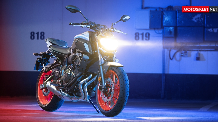 2019-Yamaha-MT07.Colors-13