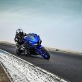2019-Yamaha-YZF-R125-EU-Yamaha_Blue-Action-004