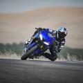 2019-Yamaha-YZF-R125-EU-Yamaha_Blue-Action-007