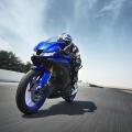 2019-Yamaha-YZF-R125-EU-Yamaha_Blue-Action-008