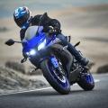 2019-Yamaha-YZF-R125-EU-Yamaha_Blue-Action-012