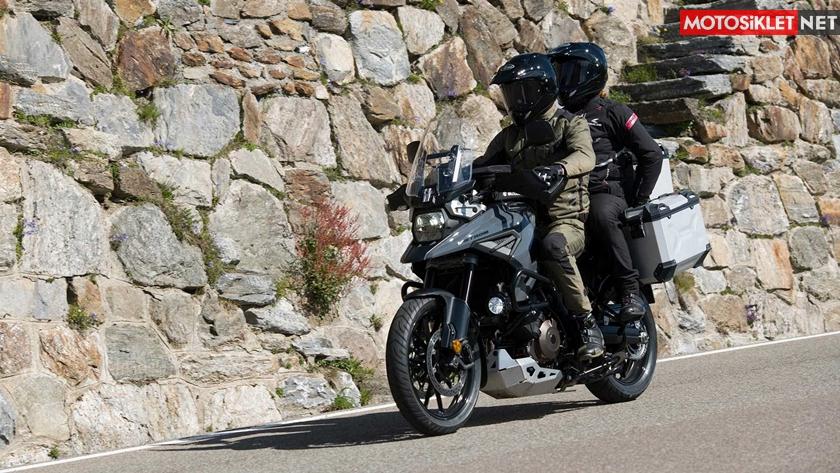 2020-Suzuki-V-Strom-1050-07