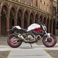 Ducati-Monster-821-002