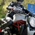 Ducati-Monster-821-075