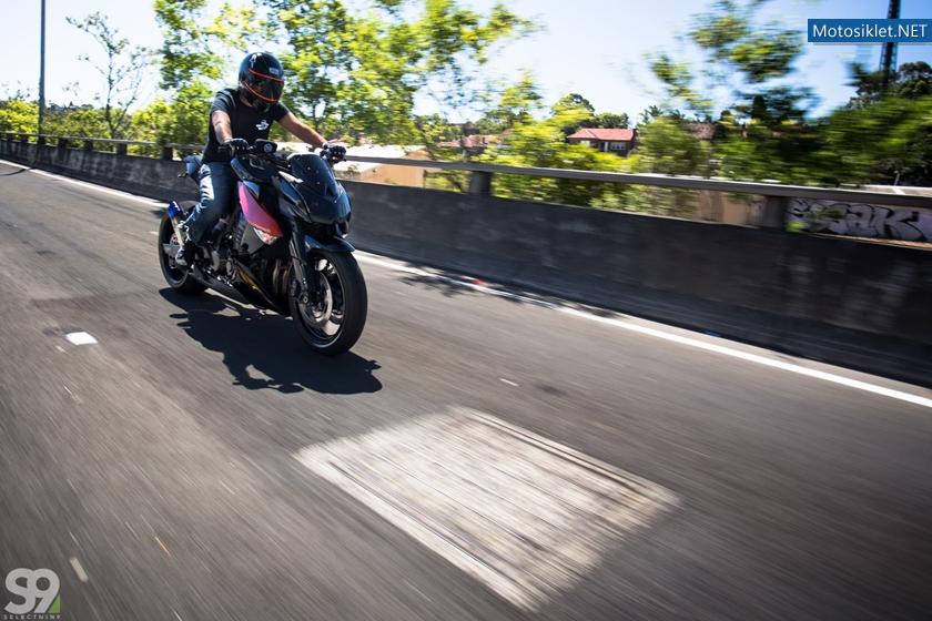 Kawasaki-Z1000-by-ZenGarage-021