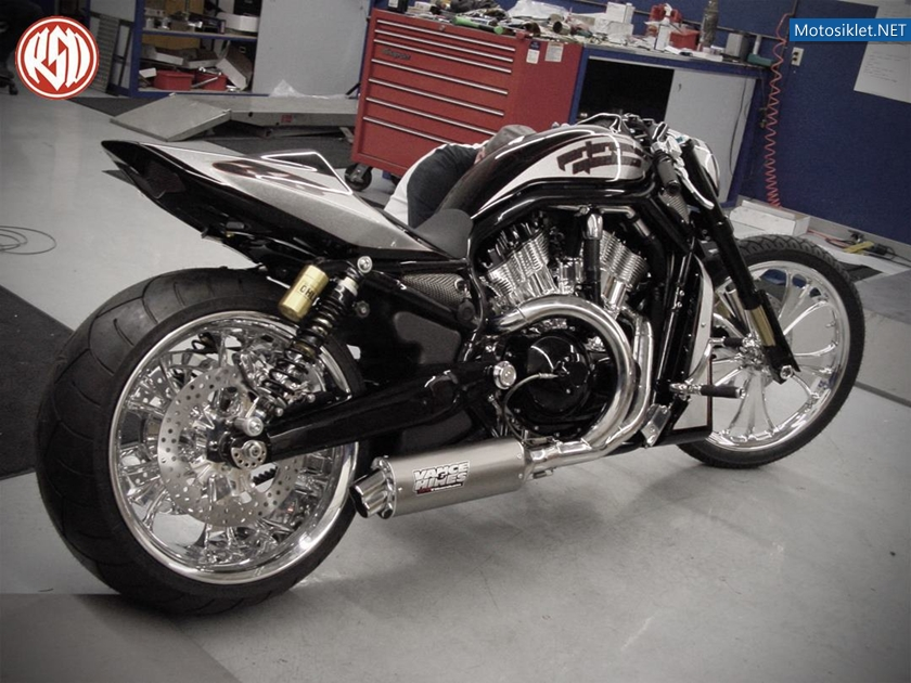 Custom-Harley-Davidson-V-Rod-Racing-001