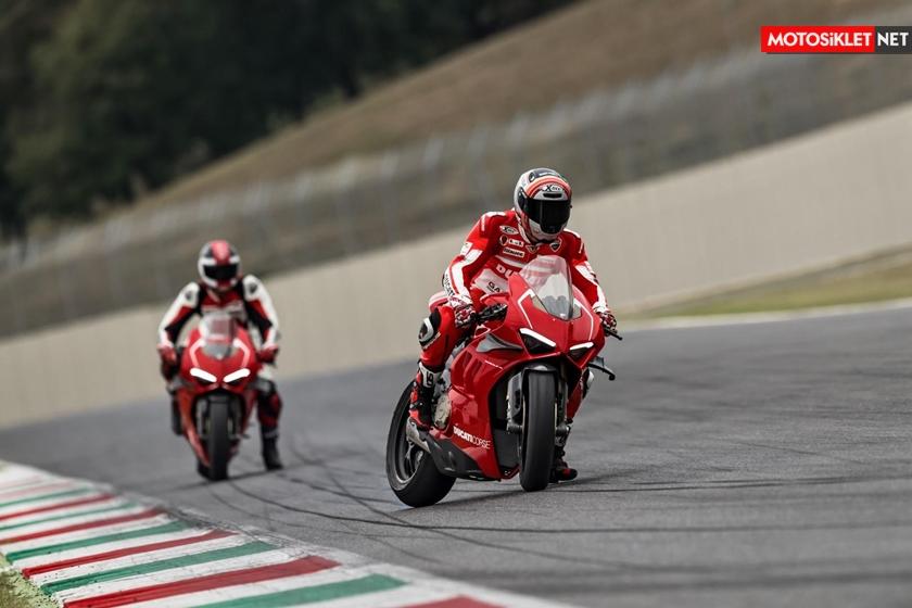 DucatiPanigaleV4R201917