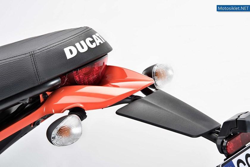 2016-Ducati-Scrambler-Sixty2-10