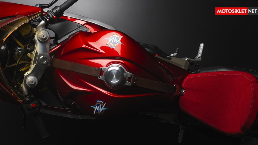 MV-Agusta-F3-Superveloce-09
