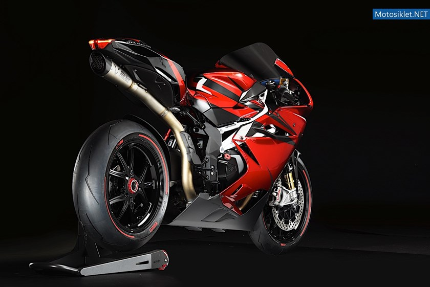 mv-agusta-puts-out-special-lewis-hamilton-model_1