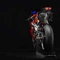 mv-agusta-puts-out-special-lewis-hamilton-model_2