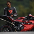 mv-agusta-puts-out-special-lewis-hamilton-model_27