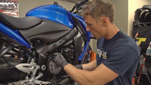 Motosiklette Debriyaj Balatası Nasıl Değiştirilir ?