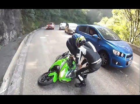 Salak ile Avanak filmindeki efsane motosiklet sahnesi